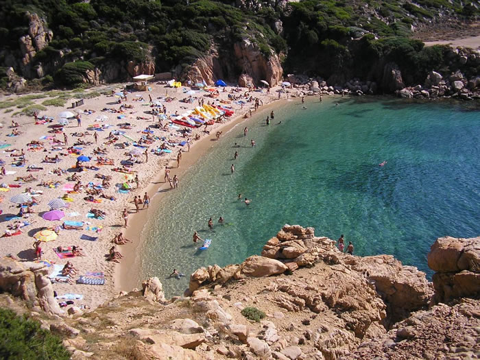 http://www.mare-vacanza.it/sardegna/images/costa-paradiso-1.jpg
